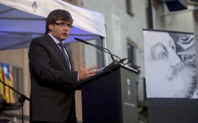 El presidente de la Generalitat, Carles Puigdemont, preside en...