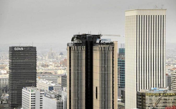 Vistas de la Torre BBVA, Torre Picasso y Torre Europa en Azca en  el...