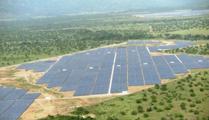Paneles solares de Isolux.