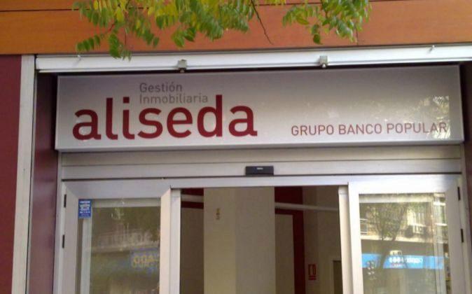 La sociedad que traspasa Santander a Blackstone incluye también el...