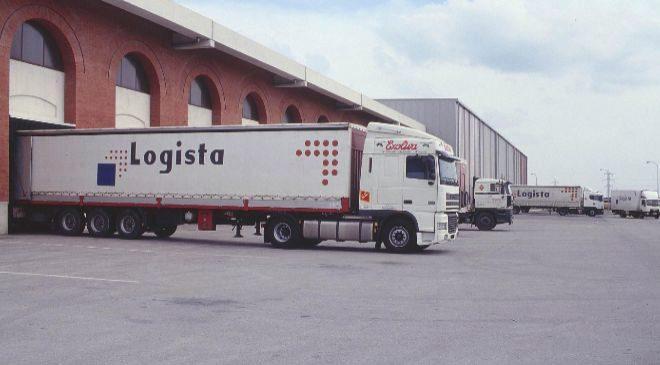 Camiones de Logista utilizados para transportar material humanitario...