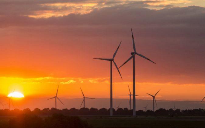 Generadores de energía eólica de RWE en Bedburg, Alemania.