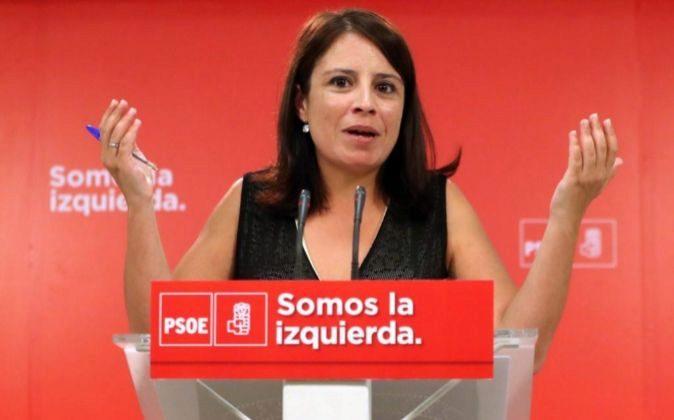 La vicesecretaria general, Adriana Lastra, durante la rueda de prensa...