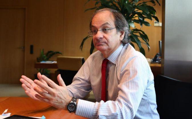 Pere Viñolas, consejero delegado de Colonial, en su despacho de la...