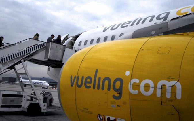 Avión de Vueling en el Aeropuerto de El Prat (Barcelona)