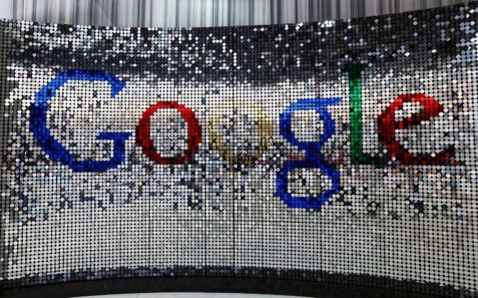 Logo de Google en la sucursal de la empresa en Reino Unido.