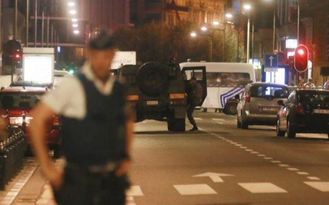 La policía belga acordona la zona tras el ataque.