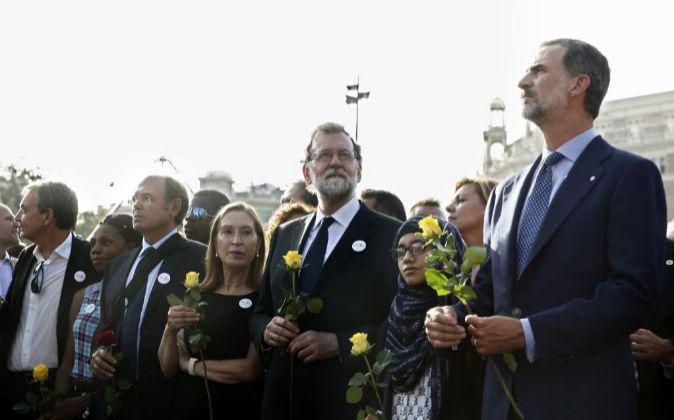 El Rey Felipe VI, el presidente del gobierno, Mariano Rajoy y la...