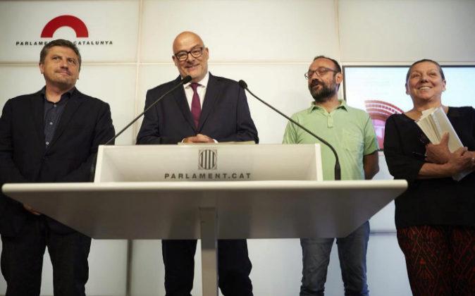 El diputado de JxSí, Jordi Orobitg; el presidente de JxSí en el...