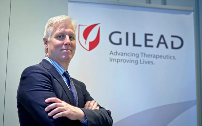 John F. Milligan, presidente y CEO de Gilead.