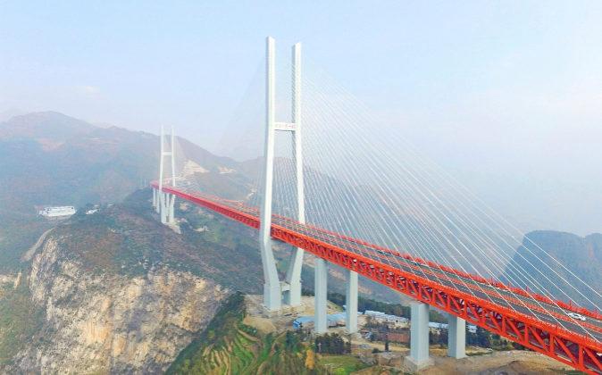 El puente más alto del mundo en China.