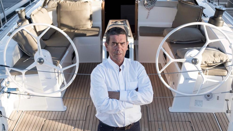 El director del Valencia Boat Show, Fernando Jiménez, sobre una...