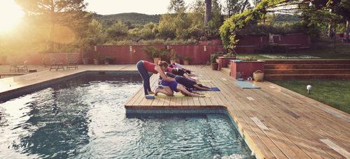 Clases en el exterior de la piscina de MasQi