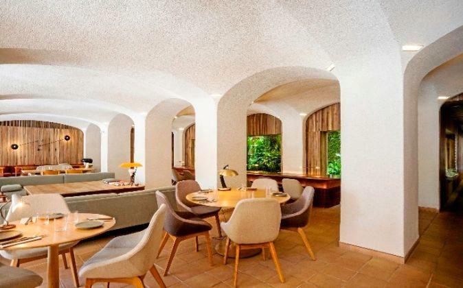 El restaurante está en el Paseo Colom y el Port Vell de Barcelona.