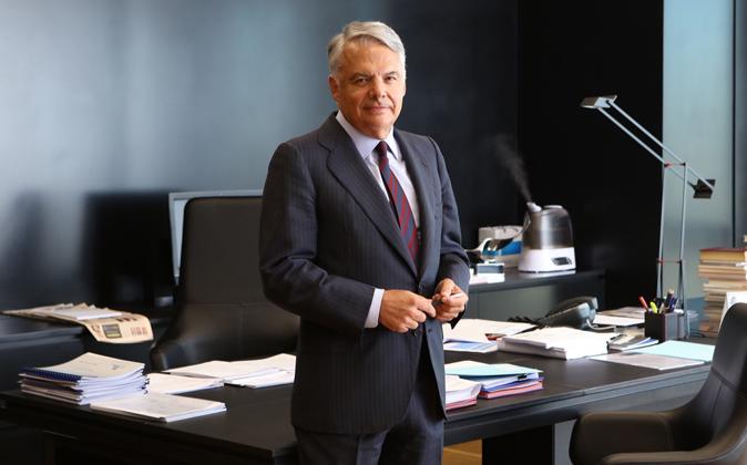 Ignacio Garralda en su despacho de la torre negra de Castellana 33, en...
