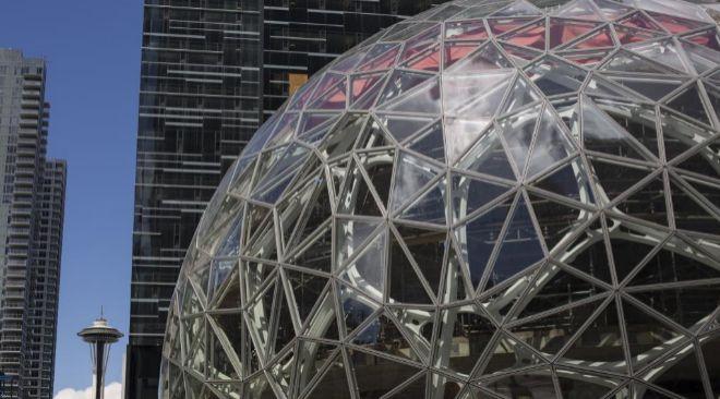 Foto de la actual sede corporativa de Amazon en Seattle, Washington...