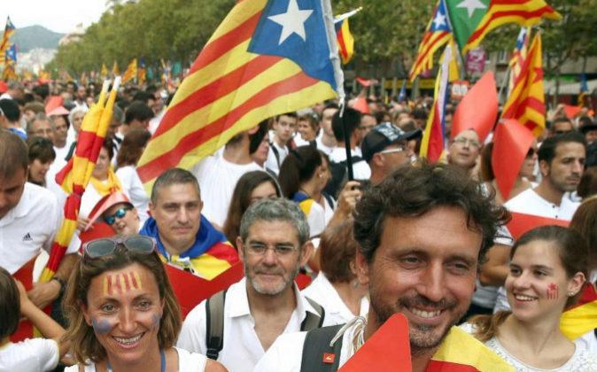 Manifestantes en la Meridiana de Barcelona durante la Diada de 2015.