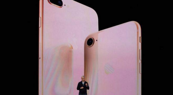 Tim Cook durante la presentación de los nuevos iPhone 8 en el Steve...