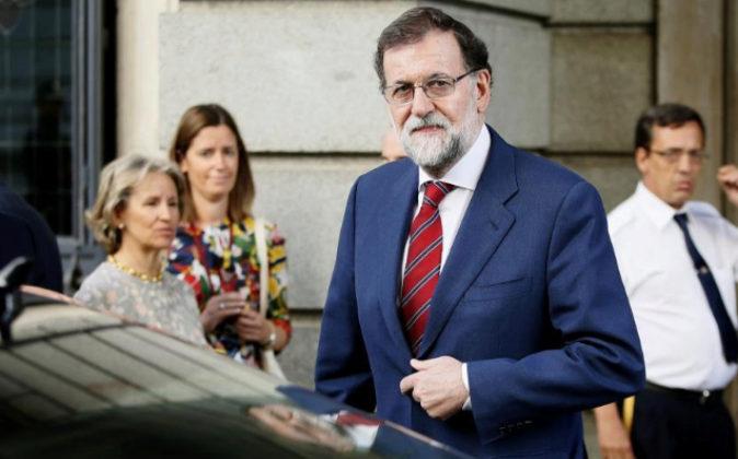 Rajoy a su llegada hoy a la sesión de control al Ejecutivo en el...