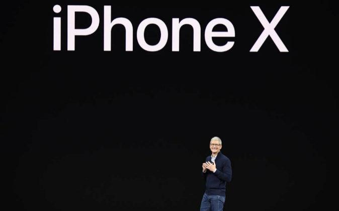 Tim Cook, CEO de Apple durante la presentación del nuevo iPhone X.