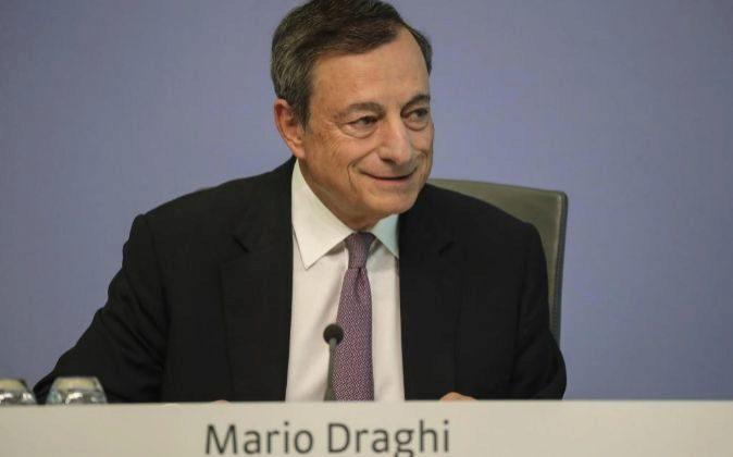 El presidente del Banco Central Europeo (BCE), Mario Draghi, en una...