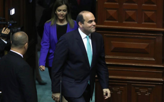 El presidente del Consejo de Ministros de Perú, Fernando Zavala,...