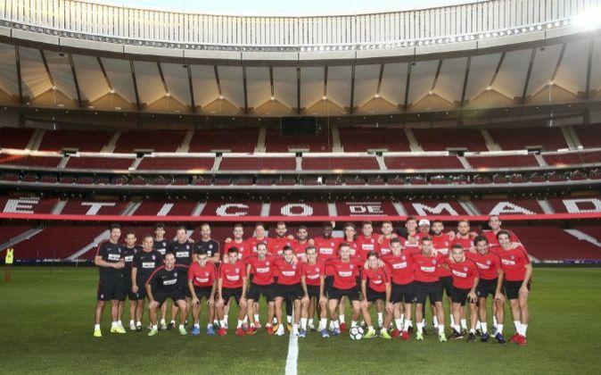 La plantilla del Atlético de Madrid tomó este jueves su primer...