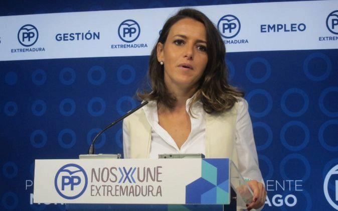 La portavoz del PP extremeño, Gema Cortés, durante su comparecencia...
