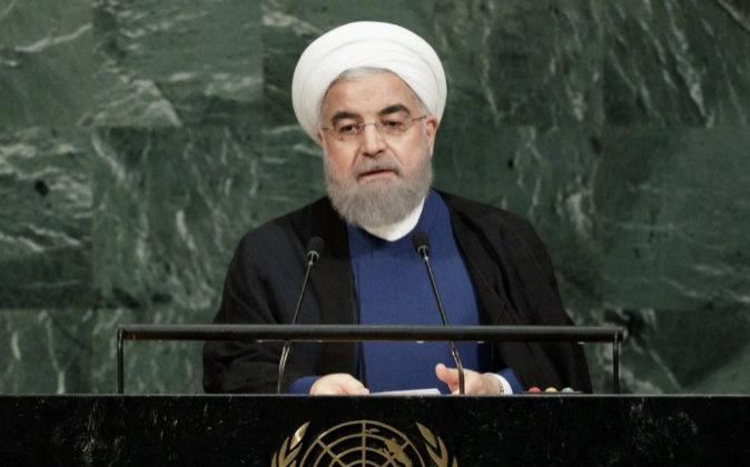 El presidente iraní, Hasan Rohaní, pronuncia su discurso durante la...