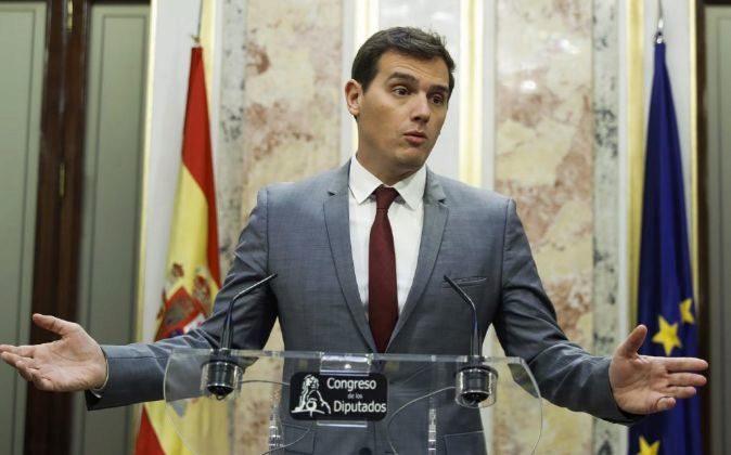 El presidente de Ciudadanos, Albert Rivera, durante la rueda de prensa...