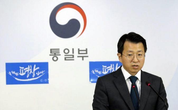 El portavoz del Ministerio de Unificación de Corea del Sur, Baik...