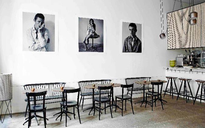 Este restaurante se sitúa en el eje entre Almagro y Castellana de...
