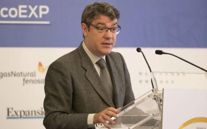 El ministro de Energía, Turismo y Agenda Digital, Álvaro Nadal,...