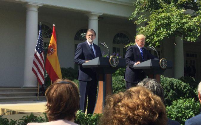 El presidente del Gobierno, Mariano Rajoy, y el presidente de Estados...