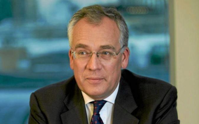El consejero del Tesoro británico Richard Meddings, urante su época...