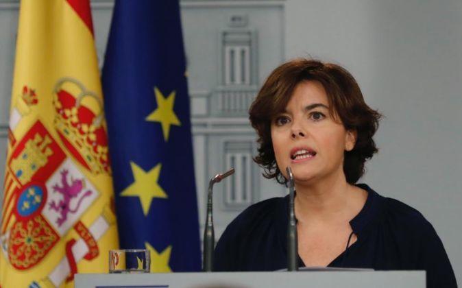 La vicepresidenta del Gobierno, Soraya Sáenz de Santamaría, durante...