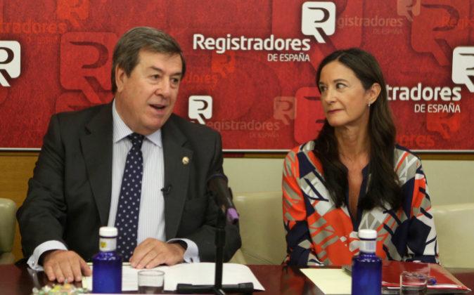 El decano-presidente del Colegio de Registradores, Gonzalo Aguilera,...