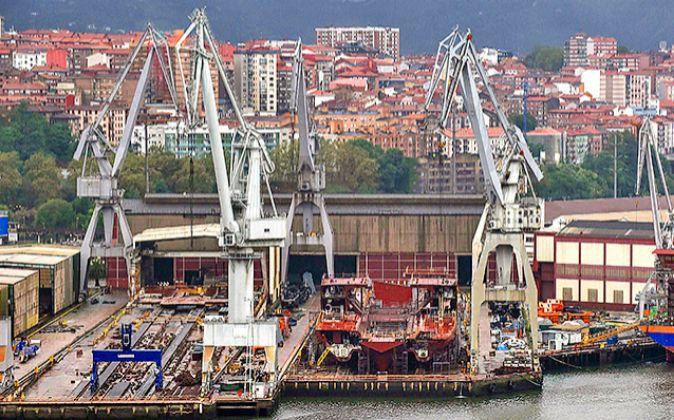 Vista del astillero La Naval de Sestao