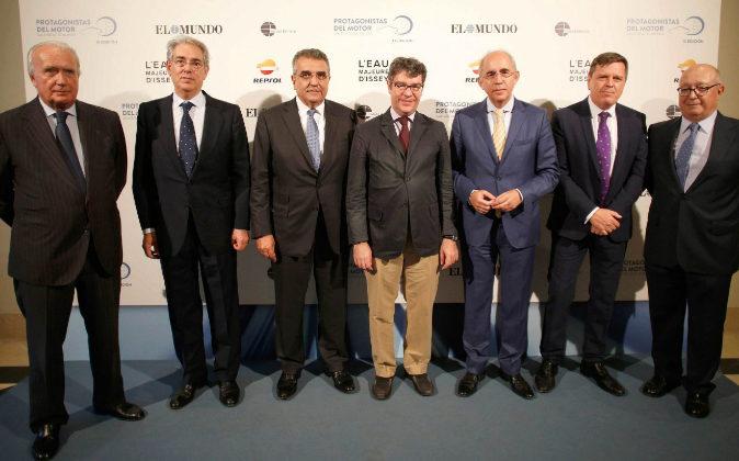 De izquierda a derecha: Giampaolo Zambeletti, vicepresidente de Unidad...