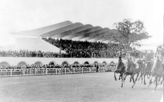 Fotografía del Hipódromo de la Zarzuela, una obra de Arniches,...