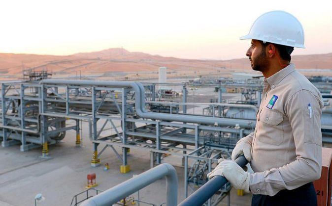 Refineria en Arabia Saudí. Foto de archivo.