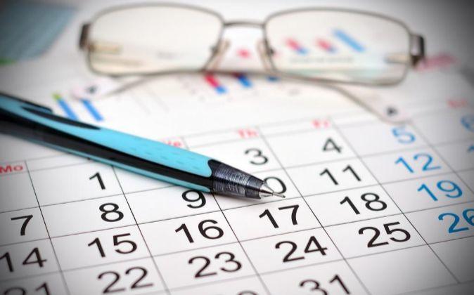 El calendario laboral del próximo año contendrá una docena de...
