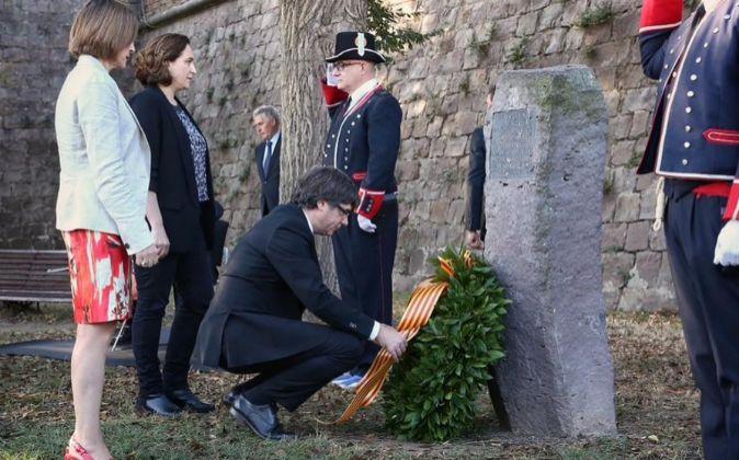 El president, Carles Puigdemont, en la ofrenda floral a Lluis...