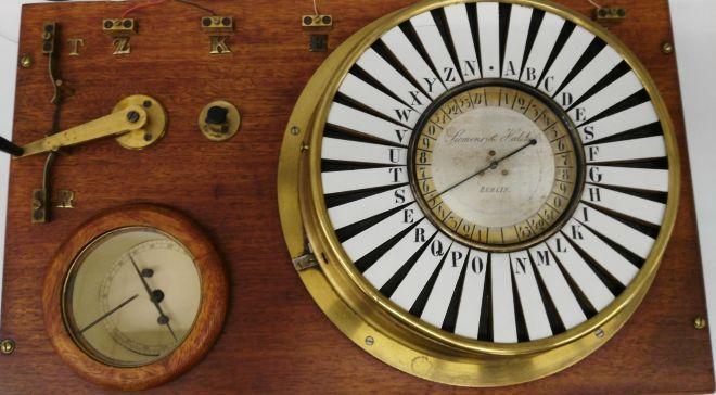 Siemens inventó el telégrafo de aguja en 1847.