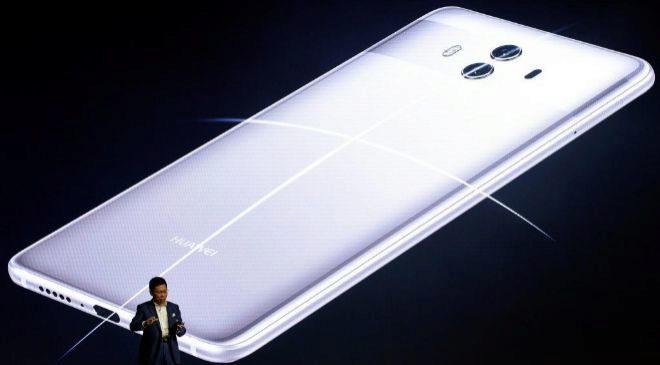 El consejero delegado de la tecnológica china Huawei, Richard Yu,...