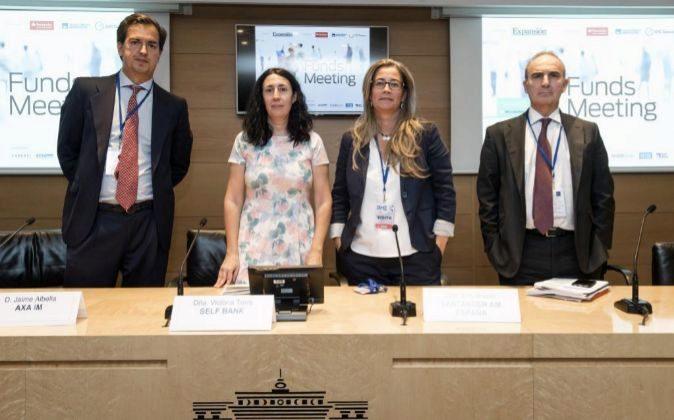 De izq. a dcha.: Jaime Albella, director de ventas de AXA IM; Victoria...