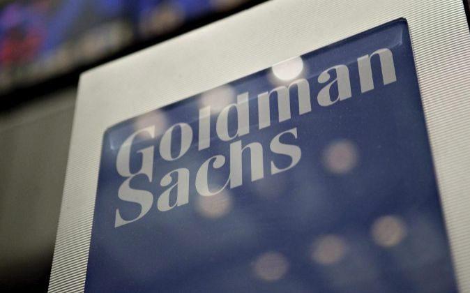 Logo de Goldman Sachs en la Bolsa de Wall Street.