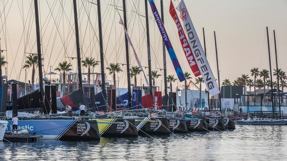La flota de embarcaciones de la Volvo Ocean Race en Alicante. | Pedro...