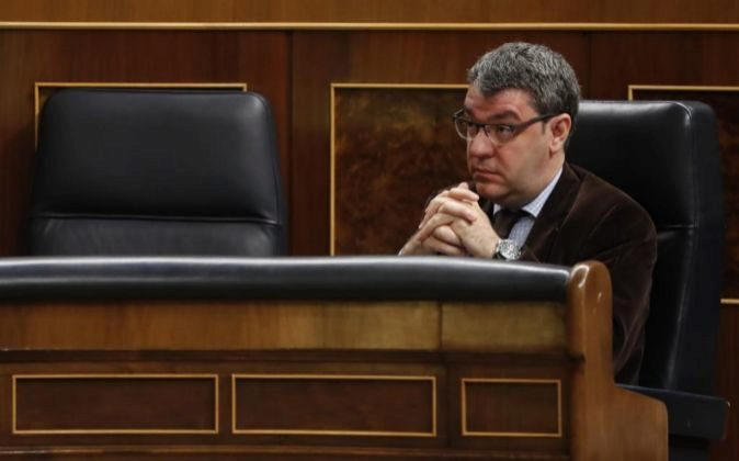 El ministro de Energía y Turismo, Álvaro Nadal, durante la sesión...