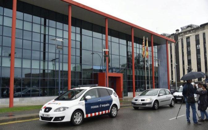 Registro ayer de la Guardia Civil ha acudido en la comisaría central...